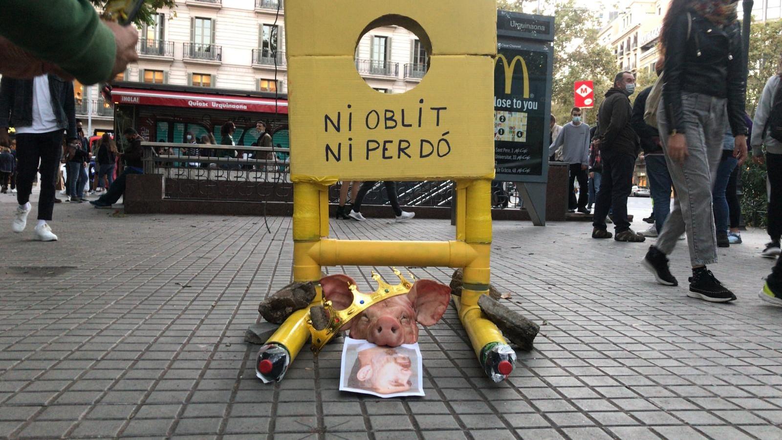 guillotina contra el rei Felip VI a Urquinaona