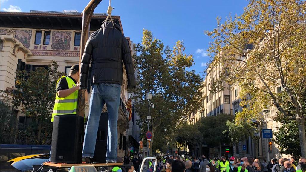 Protesta de taxistes a la Delegació del Govern