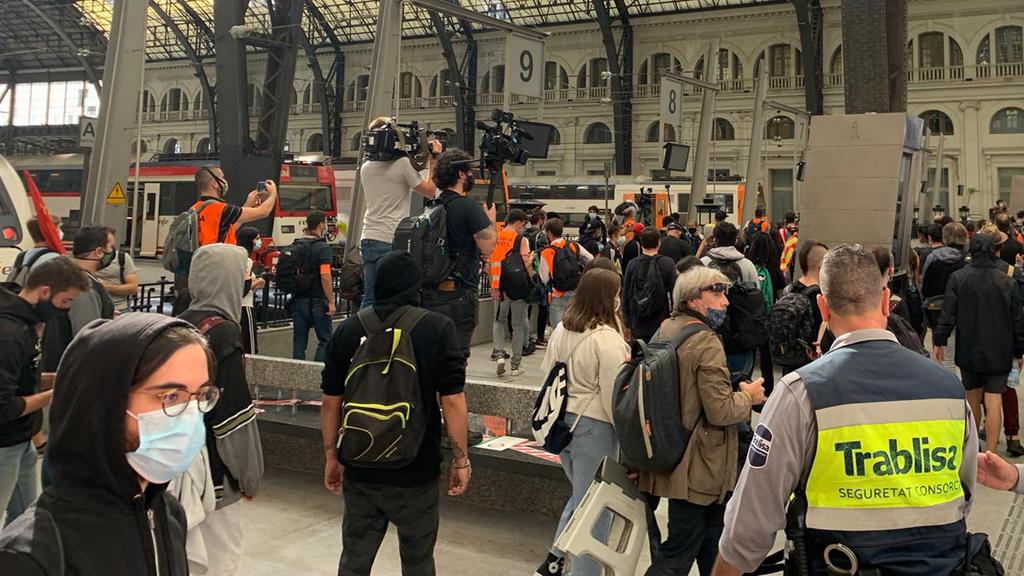 Manifestants a l'Estació de França