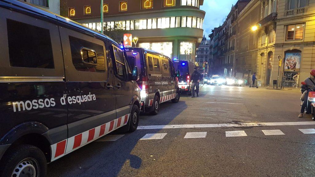 furgons Mossos d'Esquadra Urquinaona