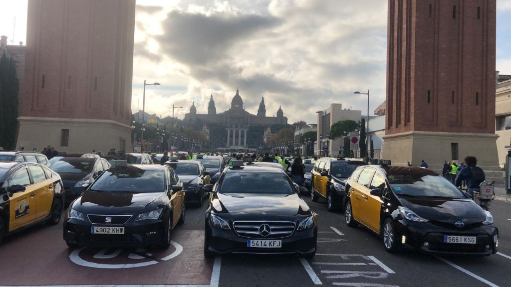 protesta taxis a plaça d'espanya