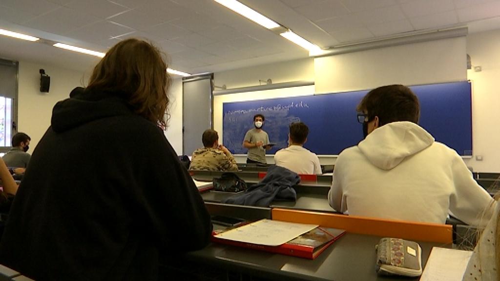 classe presencial universitat