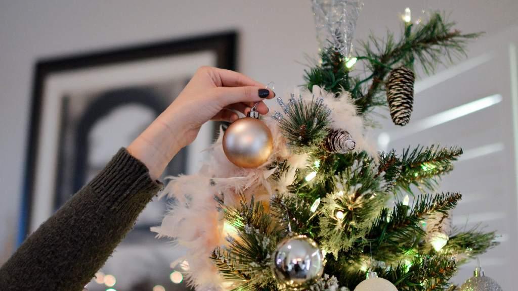 decorar arbre de nadal