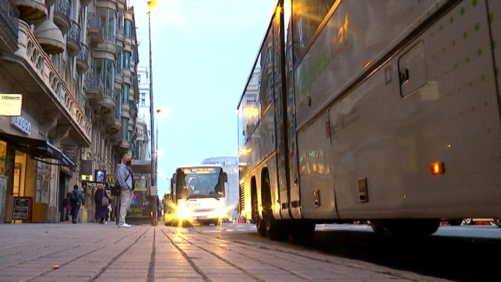 autobús exprés ronda universitat