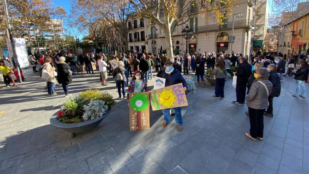 Manifestació de veïns a Sarrià per Can Raventós