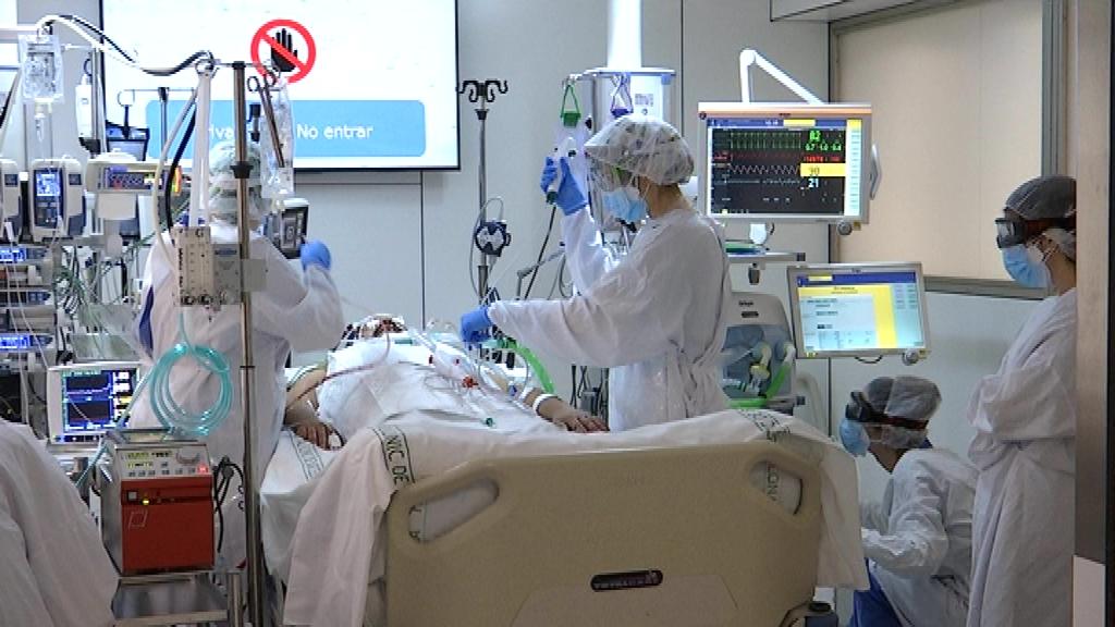 Una UCI de l'Hospital Clínic durant la segona onada