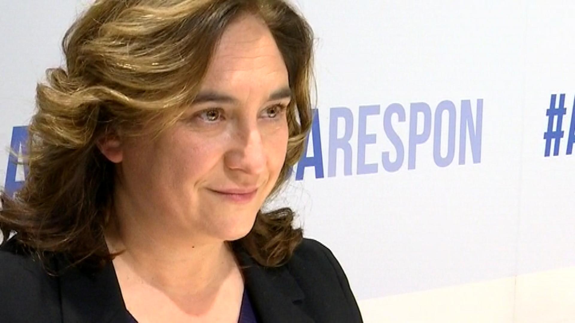 Ada Colau alcaldessa respon col·legi periodistes