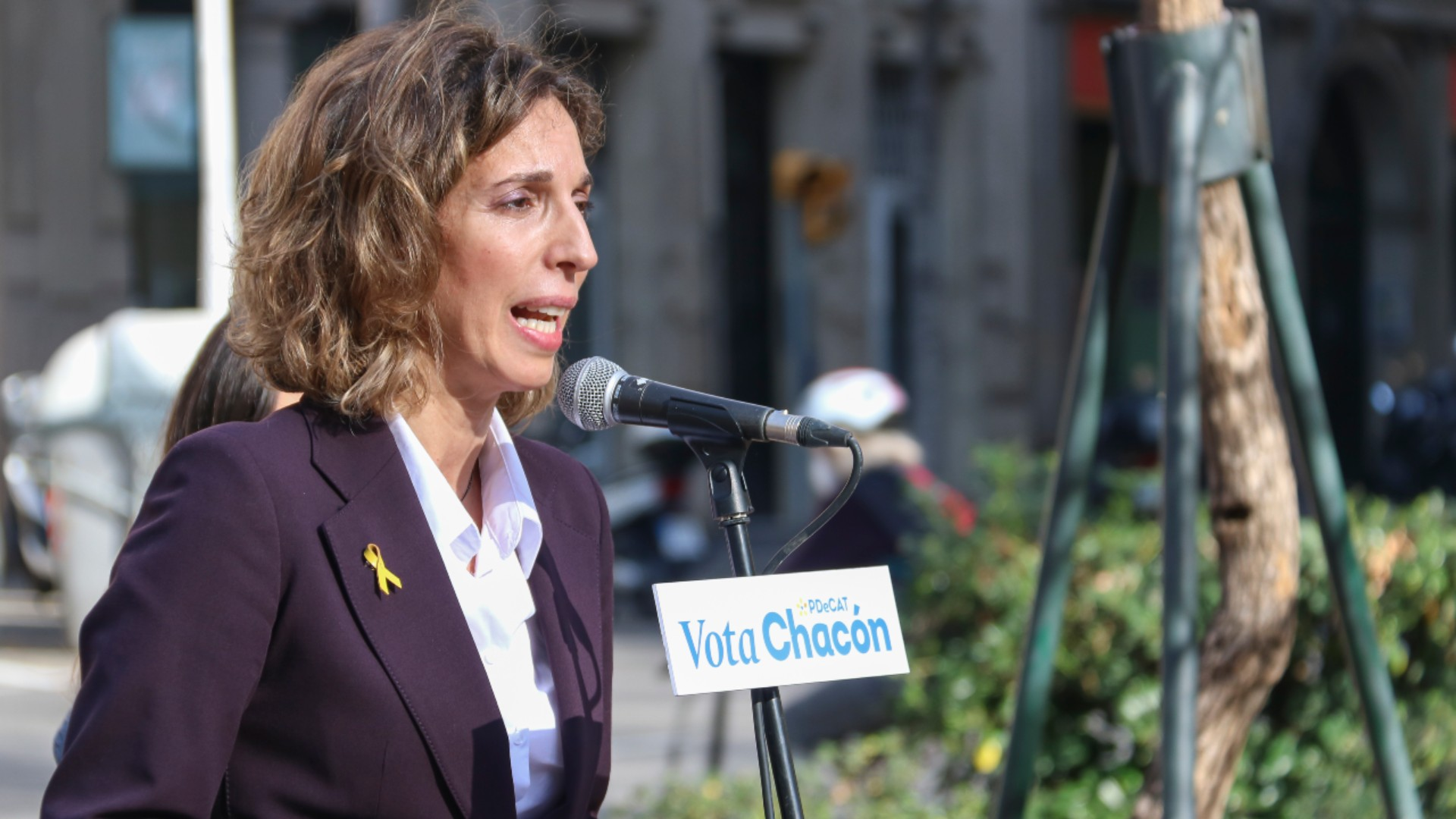 Àngels Chacón candidata pdecat en un míting