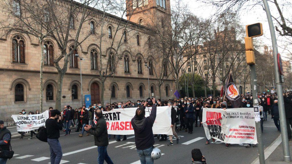 Manifestació a la plaça de la Universitat