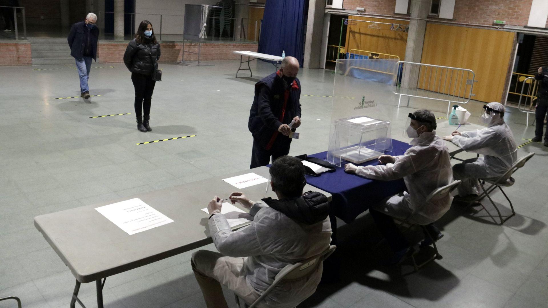 simulacre mesa electoral 14-F