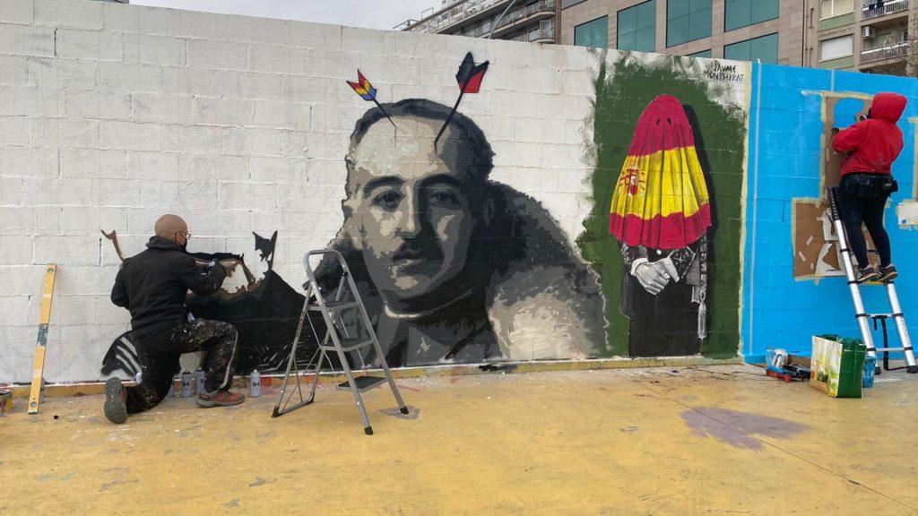 nou mural roc blackblock