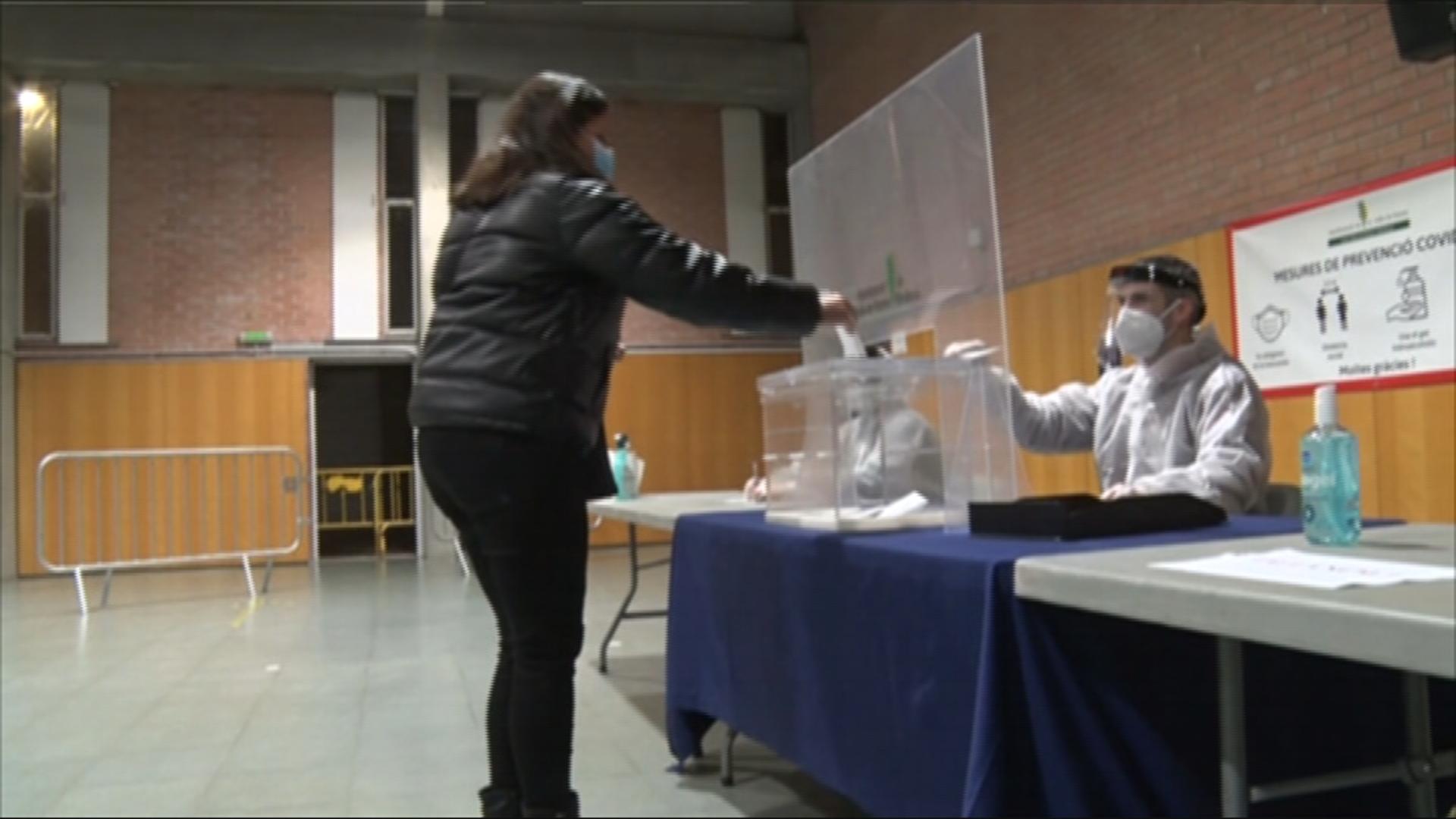 mesa eleccions simulacre