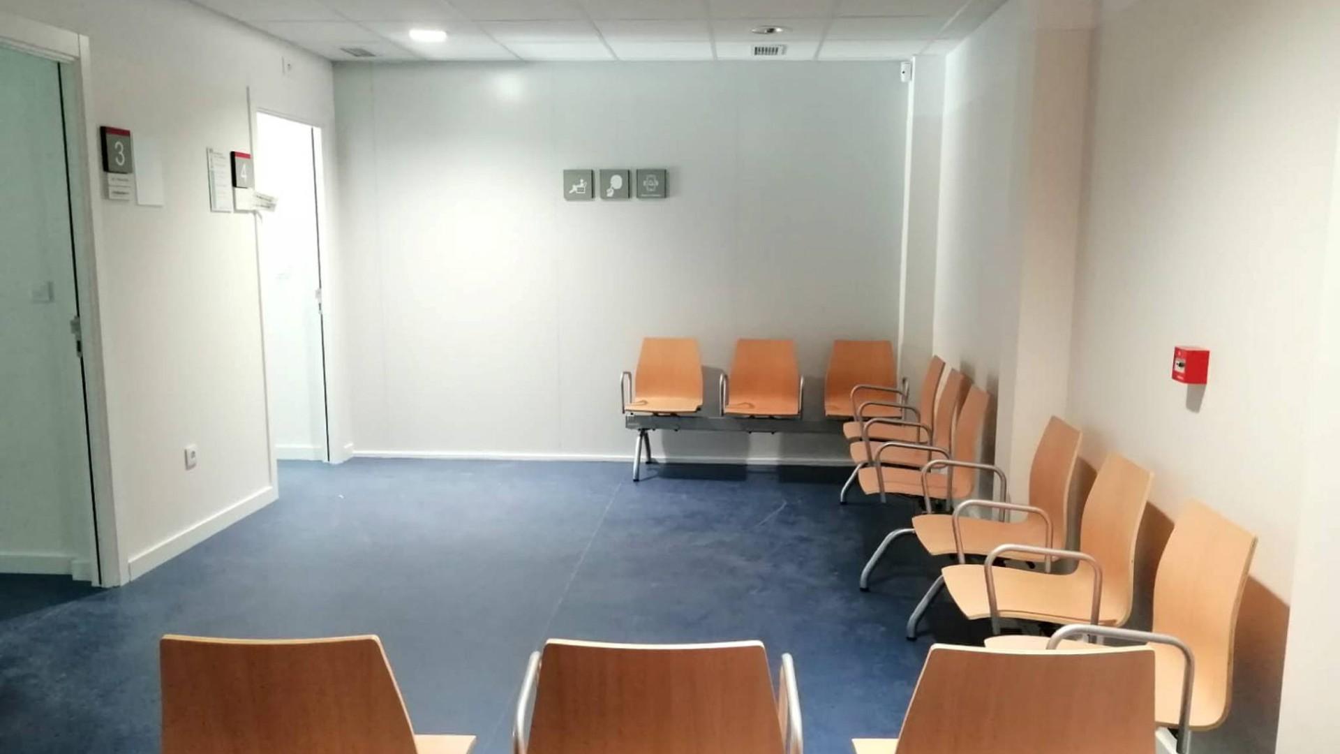 Sala d'espera del mòdul annex del CAP Passeig de Sant Joan