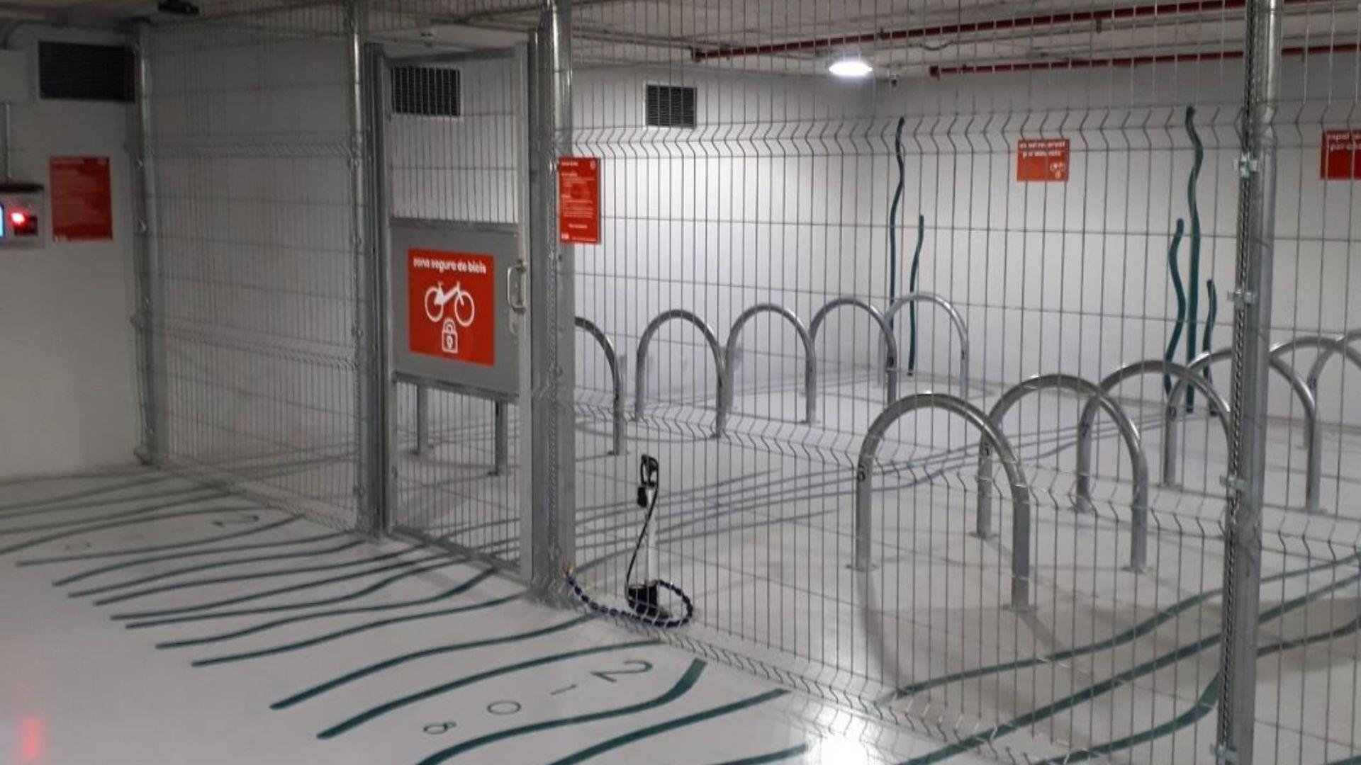 aparcament bicis mercat sant antoni