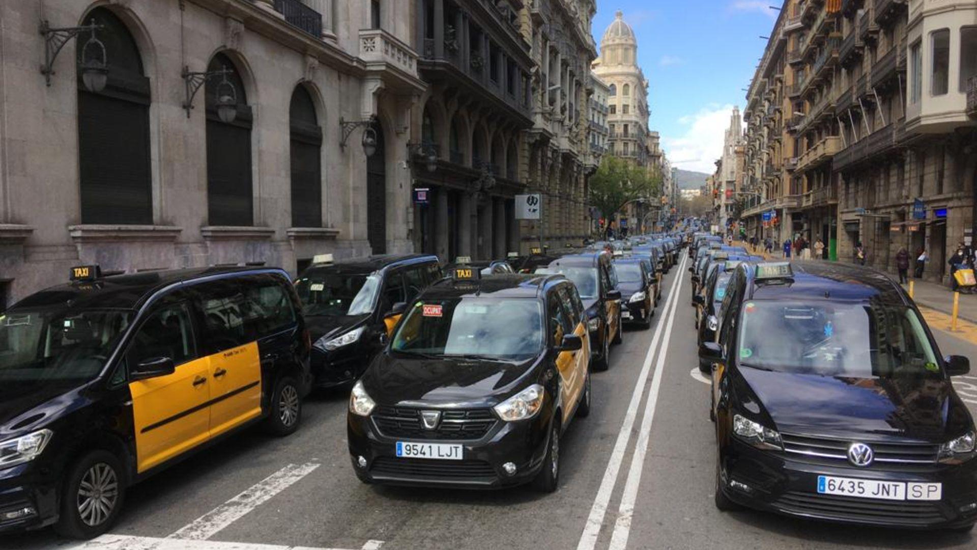 Marxa lenta taxistes Via Laietana