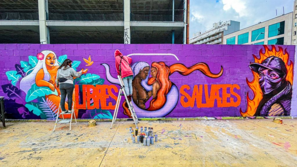 Murals feministes a les Tres Xemeneies