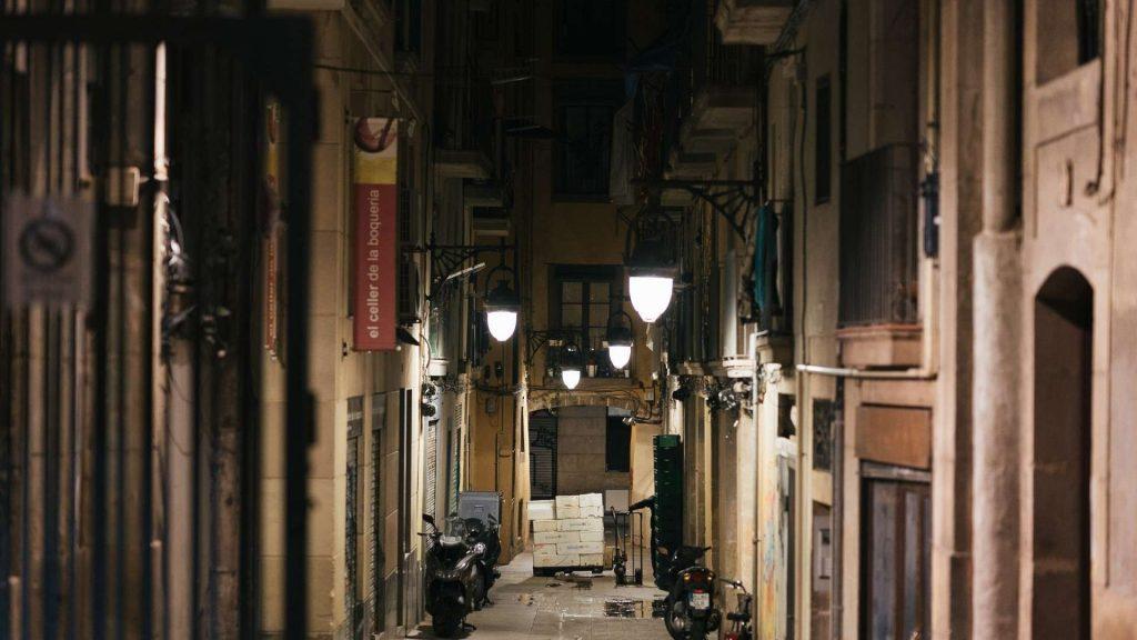 carrer de nit al raval