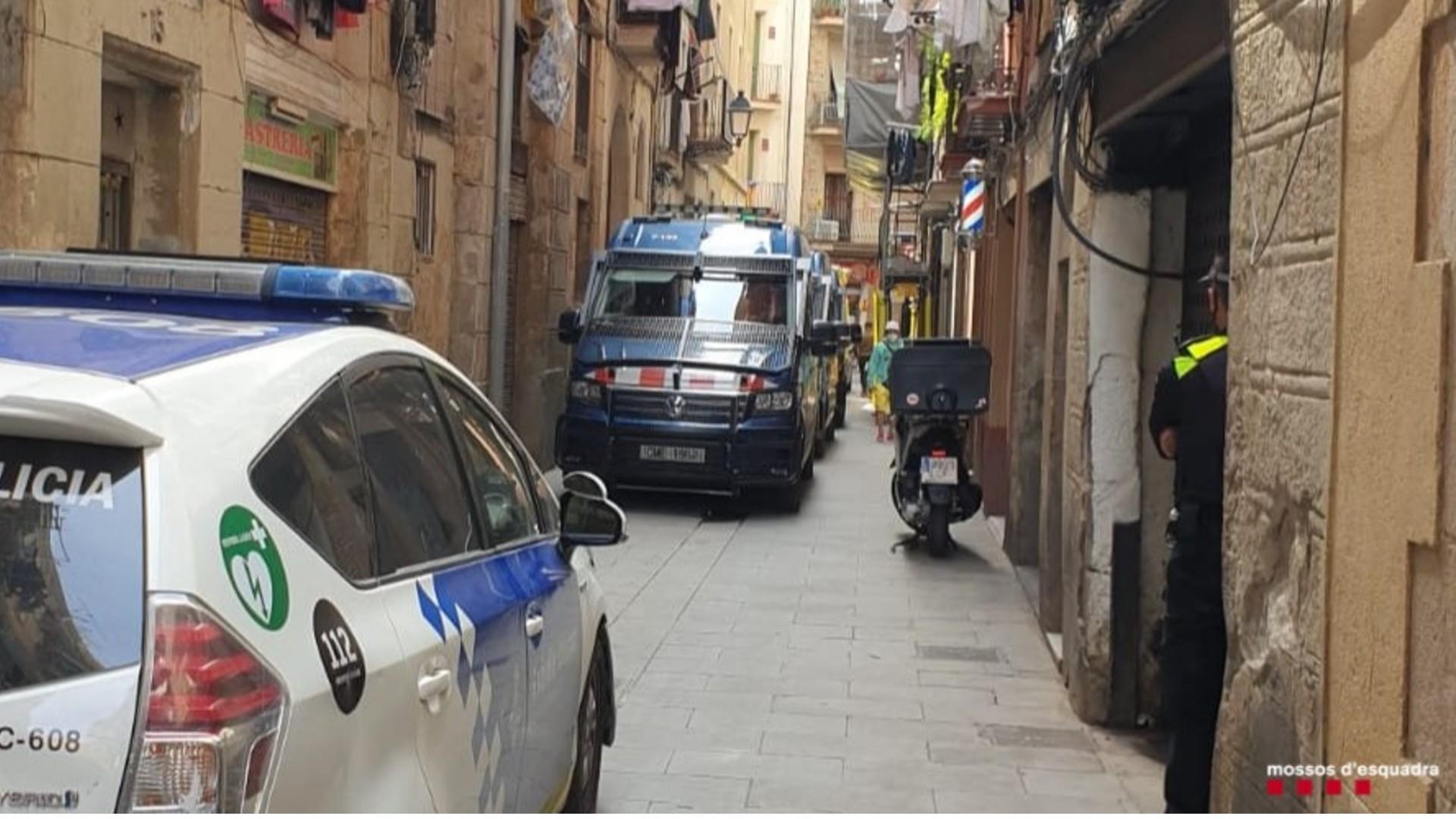 Desmantellen narcopís carrer Sant Climent