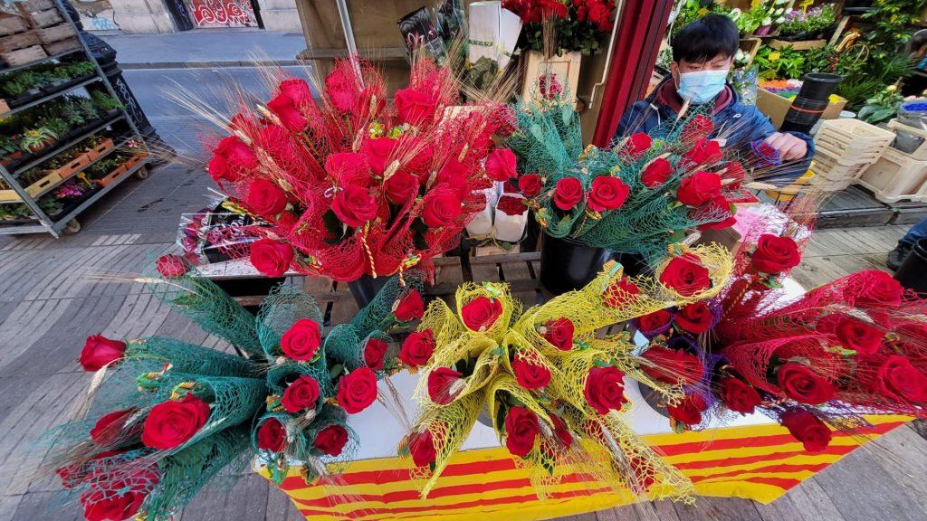 roses a la rambla per Sant Jordi
