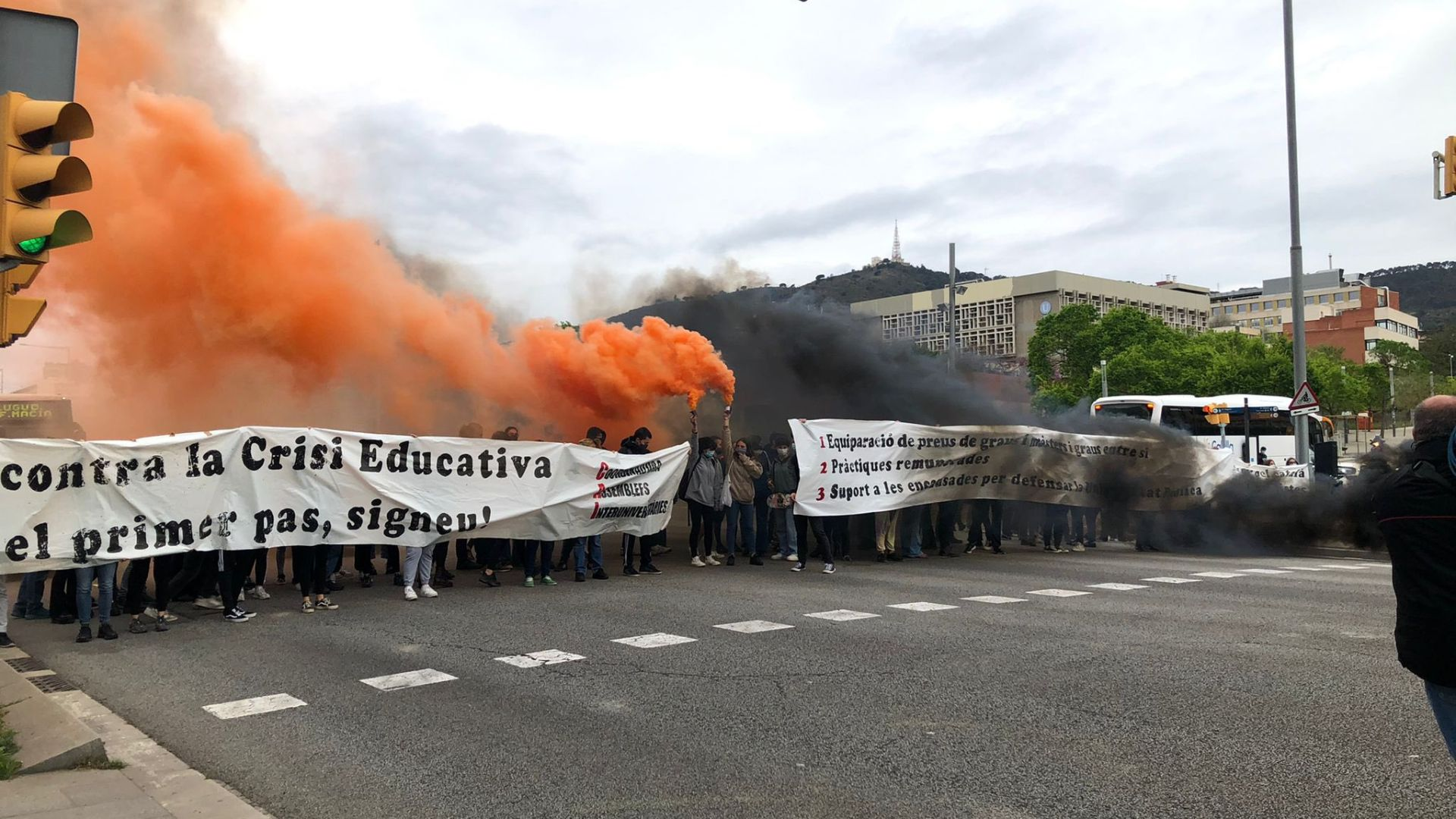 tall diagonal manifestació estudiants