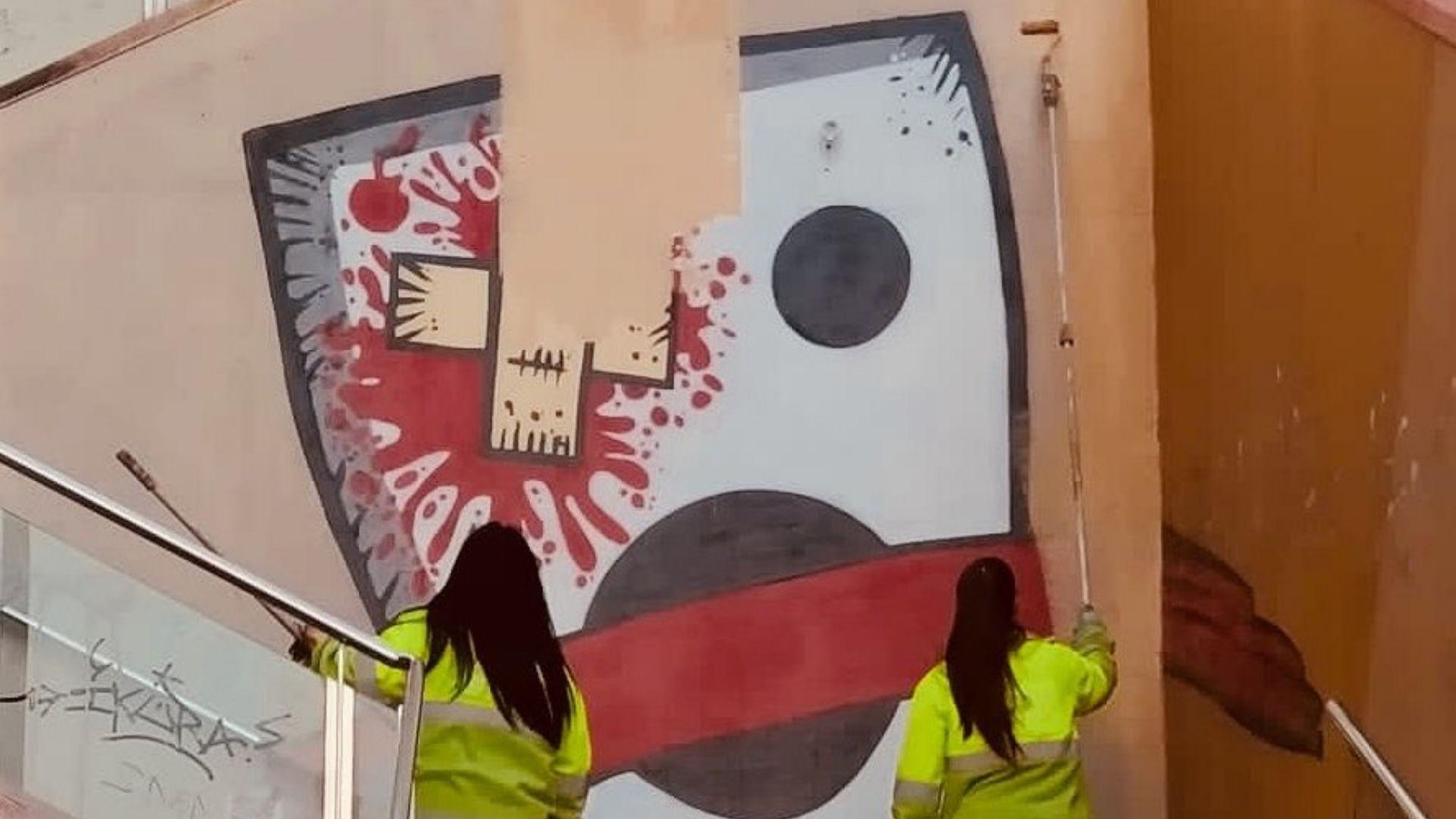 operaries neteja esborren mural kasa muntanya