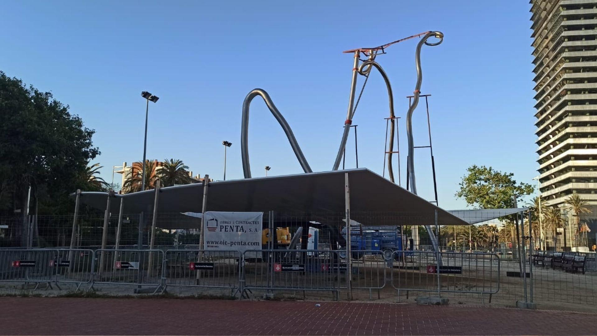 Rehabilitació de l'escultura 'David i Goliat', a la Vila Olímpica