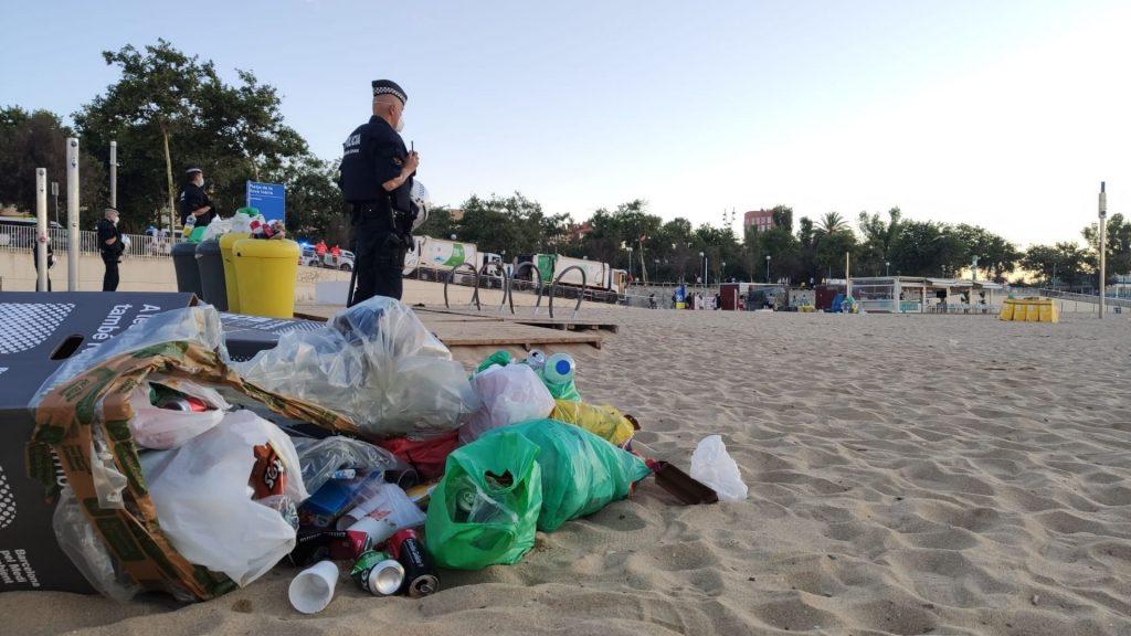 escombraries platja endema revetlla