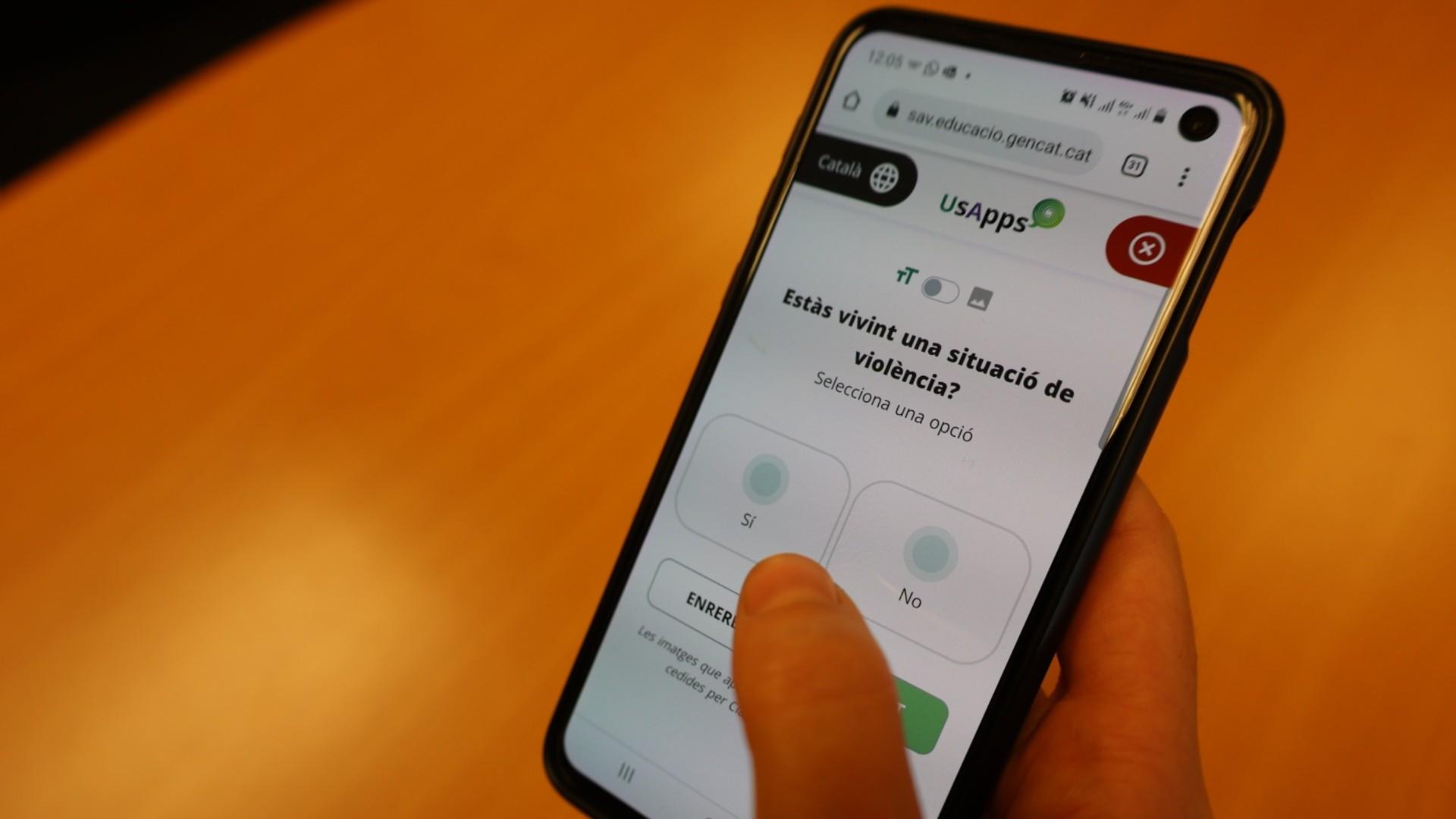 Educacio presenta web app per denunciar violències escoles