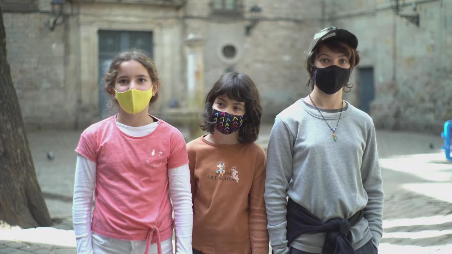 nens plaça Sant Felip Neri