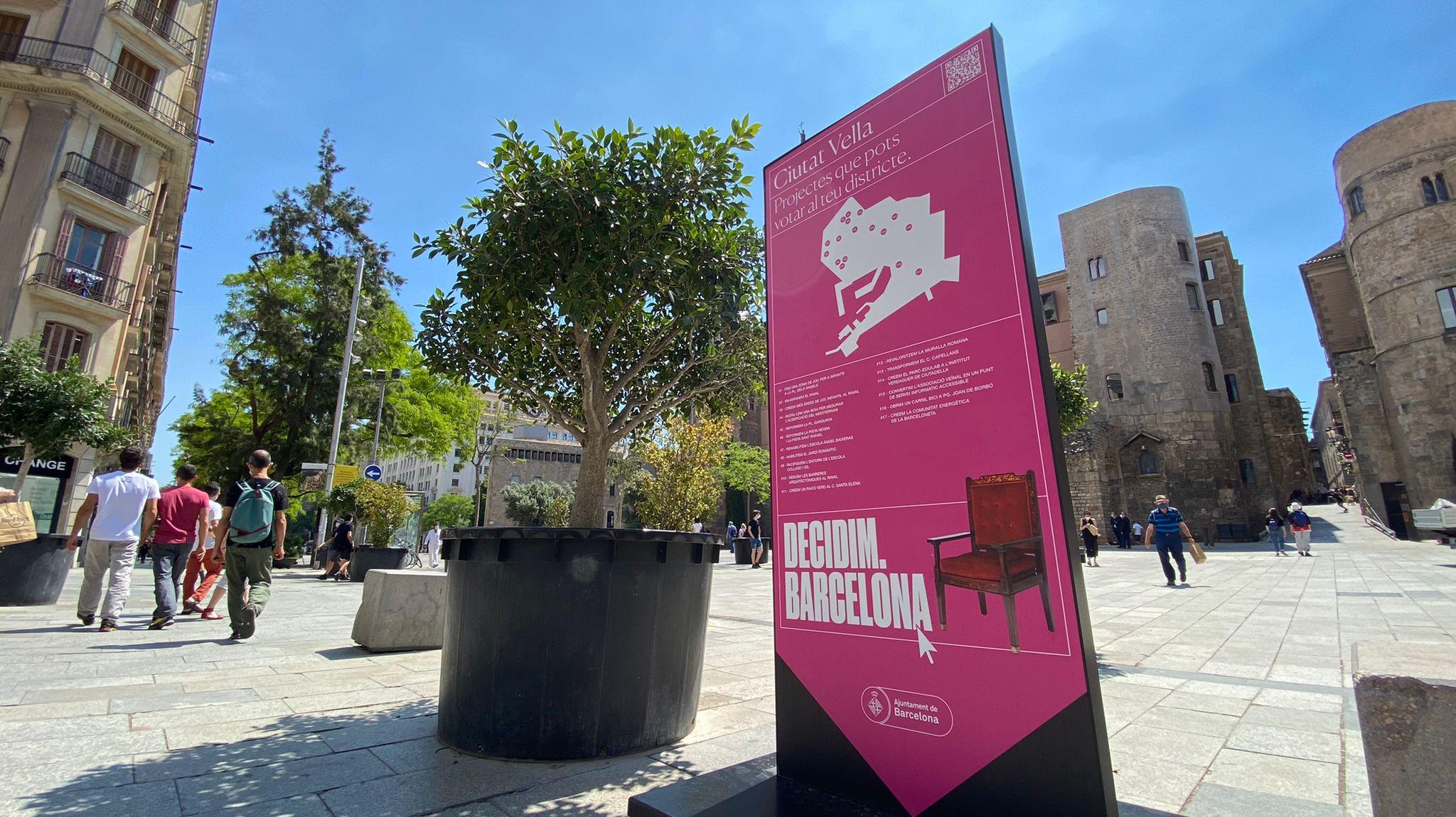 Panell informatiu dels pressupostos participatius a Ciutat Vella