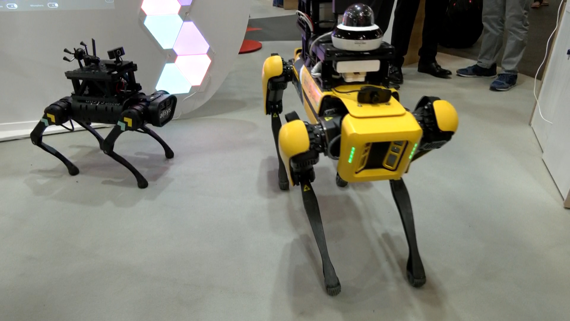 Gossos robot de vigilància presentat al Mobile World Congress