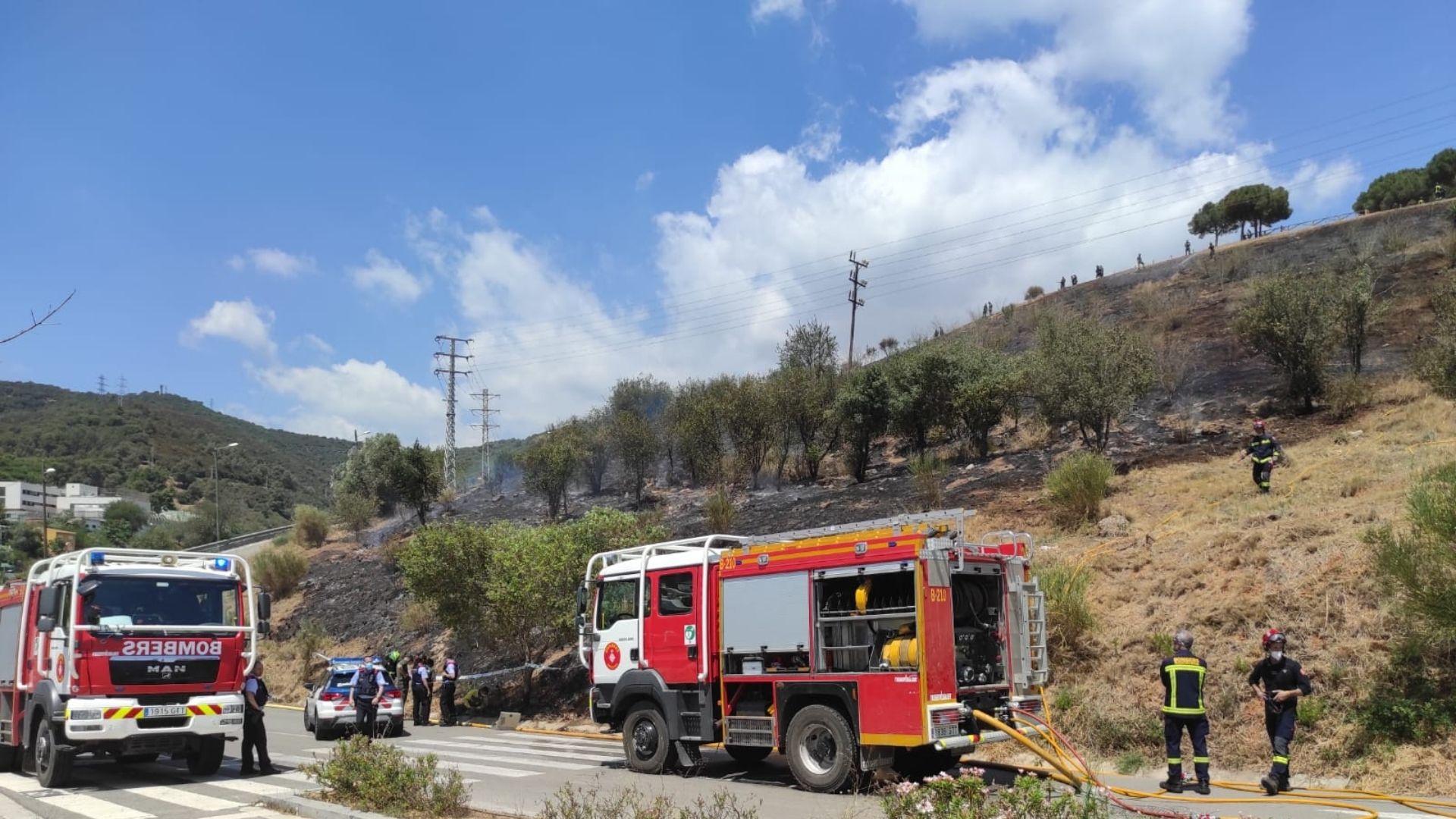 bombers incendi controlat collserola