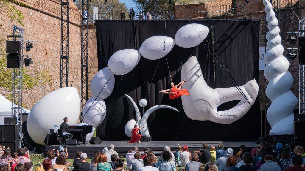 Actuació dansa circ Mercè 2020