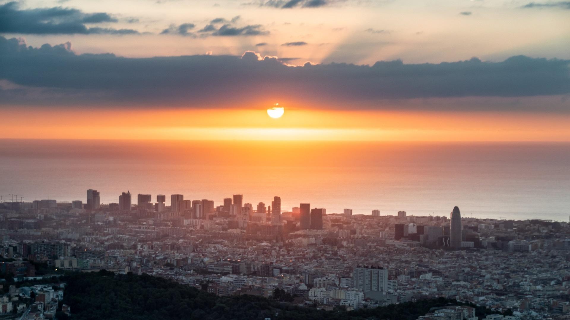 sortida de sol barcelona 14 octubre 2021
